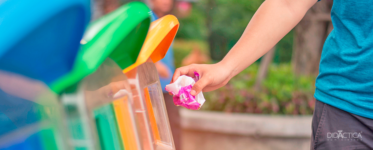 Canecas de Reciclaje Por Color y su Clasificación Según el tipo de Residuos.